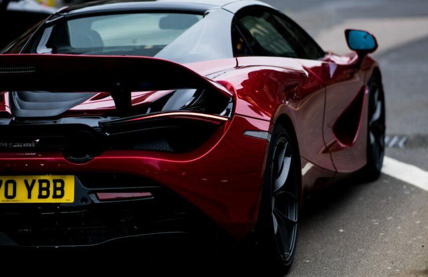 Top 5 luxusných áut, ktorými jazdí bohatí